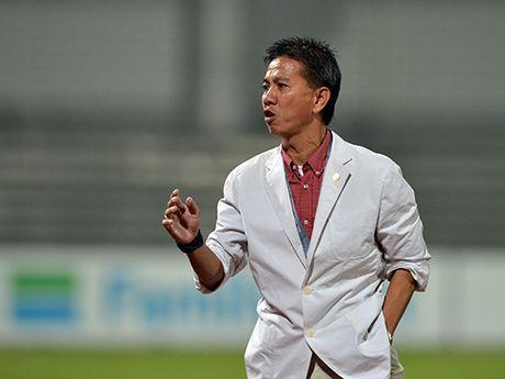 U19 Viet Nam - U19 Nhat Ban: Tam quen World Cup, viet tiep giac mo - Anh 1