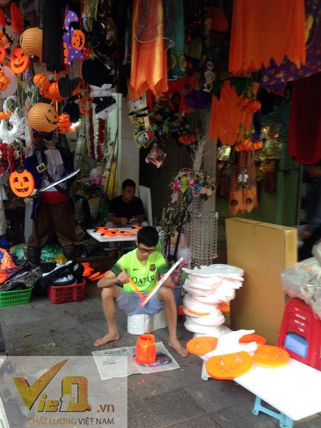 Thi truong Halloween: Thi phan danh cho tre em hut khach - Anh 13