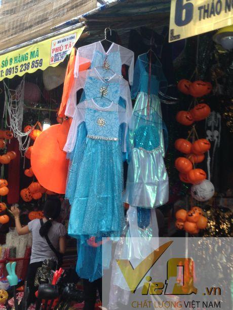 Thi truong Halloween: Thi phan danh cho tre em hut khach - Anh 2