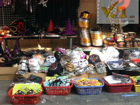 Thi truong Halloween: Thi phan danh cho tre em hut khach - Anh 7