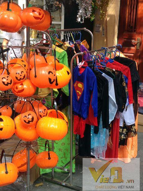 Thi truong Halloween: Thi phan danh cho tre em hut khach - Anh 8