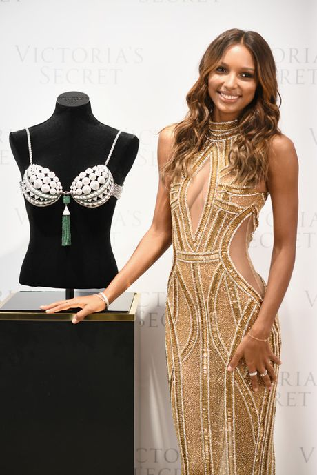 Thien than Jasmine Tookes dien noi y Victoria's Secret trieu do - Anh 2