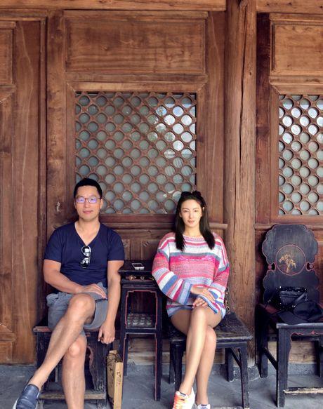 My nhan phim Chau Tinh Tri tai hon chong vanh sau 70 ngay yeu - Anh 1