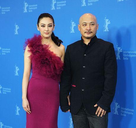 My nhan phim Chau Tinh Tri tai hon chong vanh sau 70 ngay yeu - Anh 4