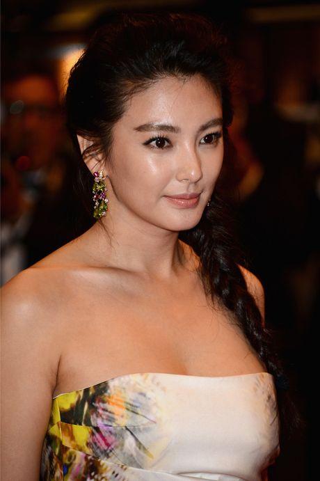 My nhan phim Chau Tinh Tri tai hon chong vanh sau 70 ngay yeu - Anh 6