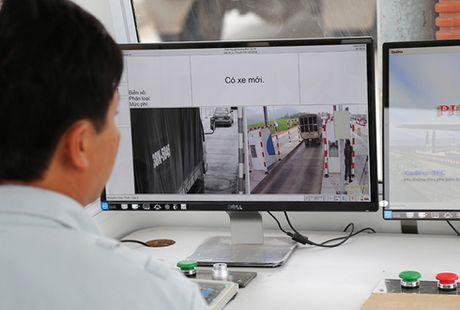 Pho thu tuong yeu cau khan truong trien khai thu phi khong dung tai cac tram BOT - Anh 1