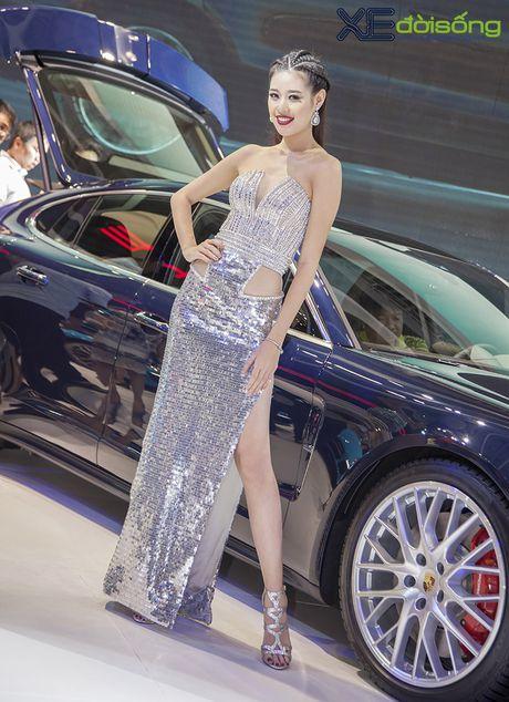 Dan nguoi dep PL Model long lay voi xe the thao Porsche - Anh 7