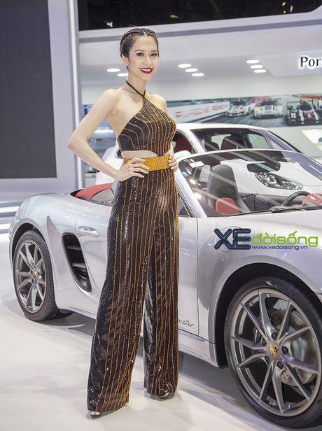 Dan nguoi dep PL Model long lay voi xe the thao Porsche - Anh 8