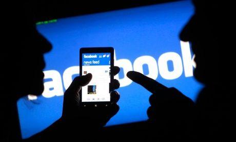 Da Nang khuyen cao khong su dung facebook trong gio lam viec - Anh 1