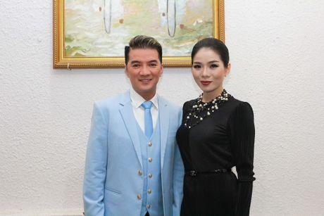Le Quyen dau gia tuong Phat kim cuong, quyen tien ung ho mien Trung - Anh 4