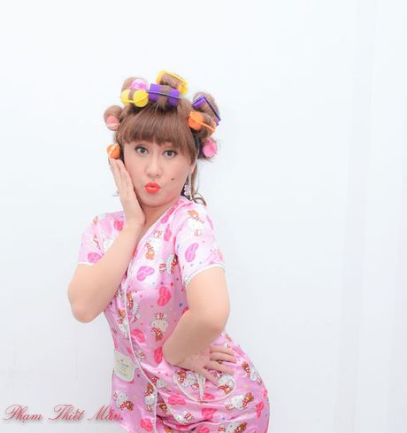 Trinh Kim Chi tro thanh ba trum hoa hau quyen luc - Anh 10