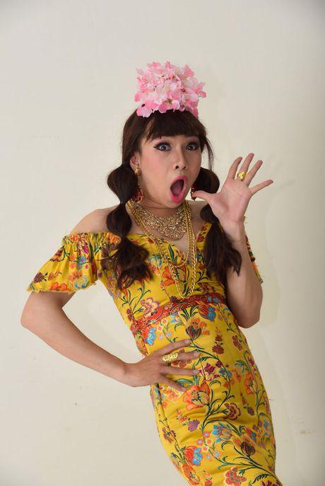 Trinh Kim Chi tro thanh ba trum hoa hau quyen luc - Anh 11