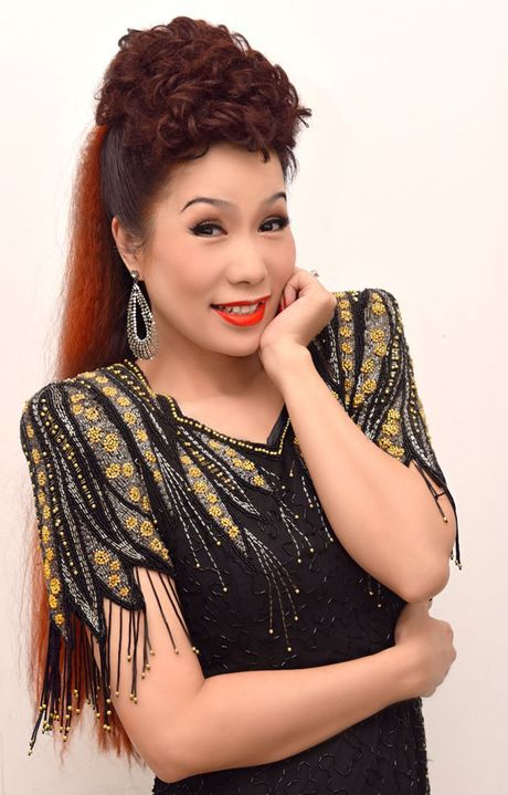 Trinh Kim Chi tro thanh ba trum hoa hau quyen luc - Anh 5