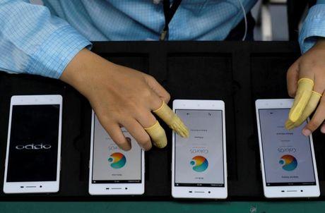 'Dien thoai Son Tung' danh bai Apple, Samsung nhu the nao? - Anh 3