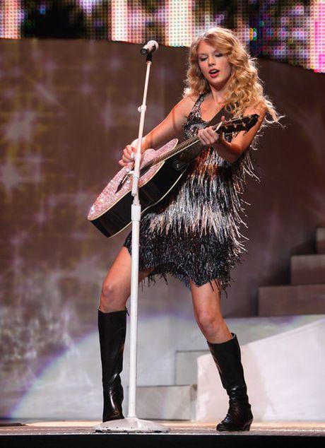 10 nam xay dung de che am nhac cua Taylor Swift - Anh 5