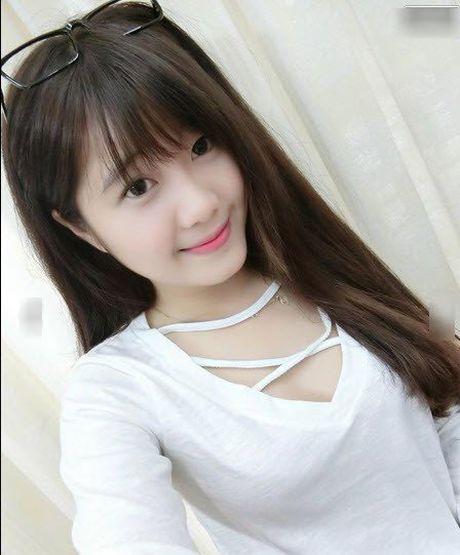 Co giao thuc tap xinh dep, tre nhu hoc sinh gay sot cong dong mang - Anh 3