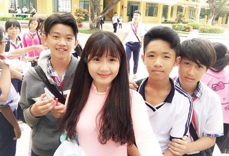 Co giao thuc tap xinh dep, tre nhu hoc sinh gay sot cong dong mang - Anh 6