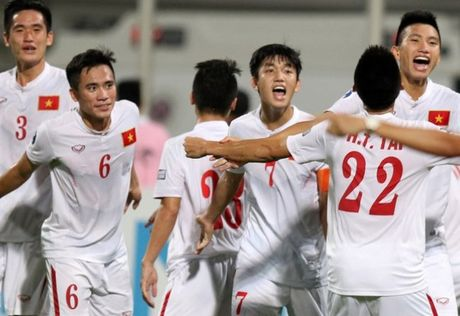 U19 Viet Nam - U19 Nhat Ban: Nui cao thi mac nui cao! - Anh 1