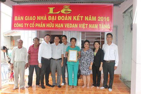Cty Vedan Viet Nam trao tang 25 nha tinh thuong cho nguoi ngheo nam 2016 - Anh 1