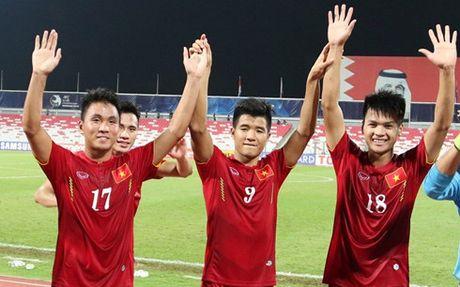 U19 Viet Nam – U19 Nhat Ban: Chia khoa nam o the luc - Anh 1