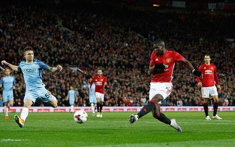 '101 bieu cam' cua Jose Mourinho trong chien thang truoc Man City - Anh 2