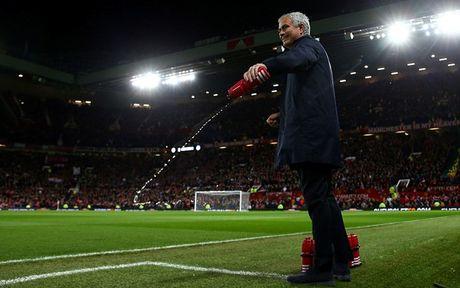 '101 bieu cam' cua Jose Mourinho trong chien thang truoc Man City - Anh 7