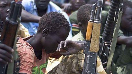 Phien quan Nam Sudan tan cong, bat coc hon 500 tre em o Sudan - Anh 1