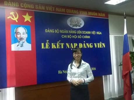 Nhung 'bong hong' dang vien trong Ngan hang lien doanh Viet-Nga - Anh 2