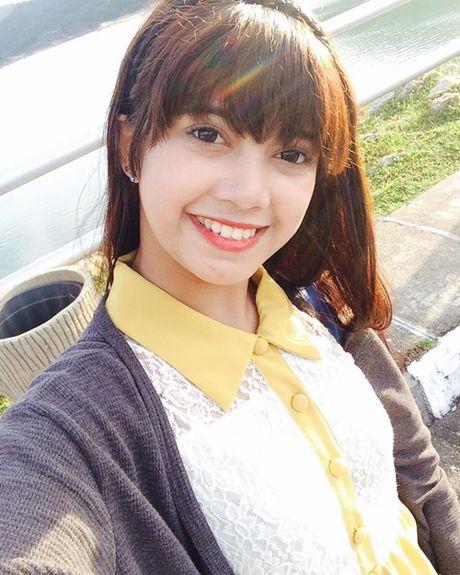 Hot girl ban banh 17 tuoi tro thanh hien tuong mang - Anh 5