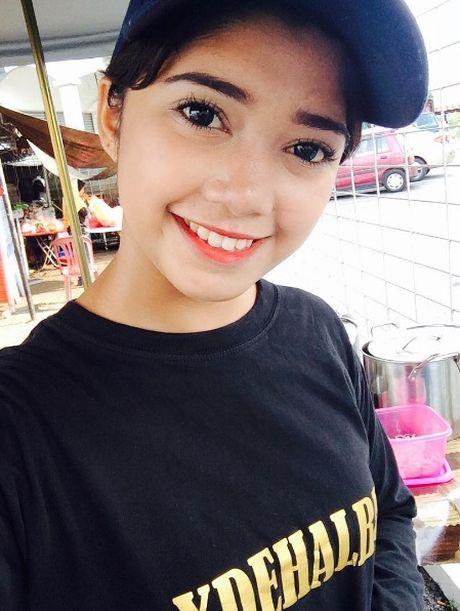 Hot girl ban banh 17 tuoi tro thanh hien tuong mang - Anh 7