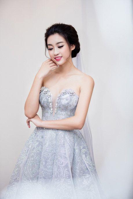 Hoa hau My Linh khoe nhan sac khong kem canh Ngoc Han, Thuy Van - Anh 3