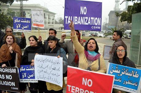Pakistan ban bo lenh cam bieu tinh tai thu do trong 2 thang - Anh 1