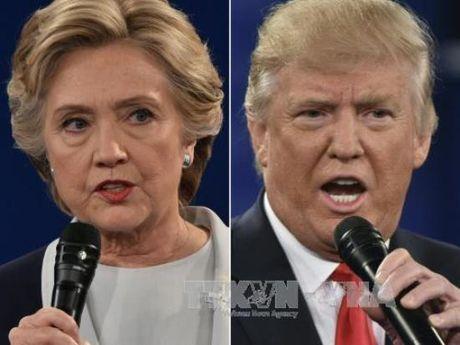 Ong Trump, ba Clinton no luc thuyet phuc cu tri goc A - Anh 1