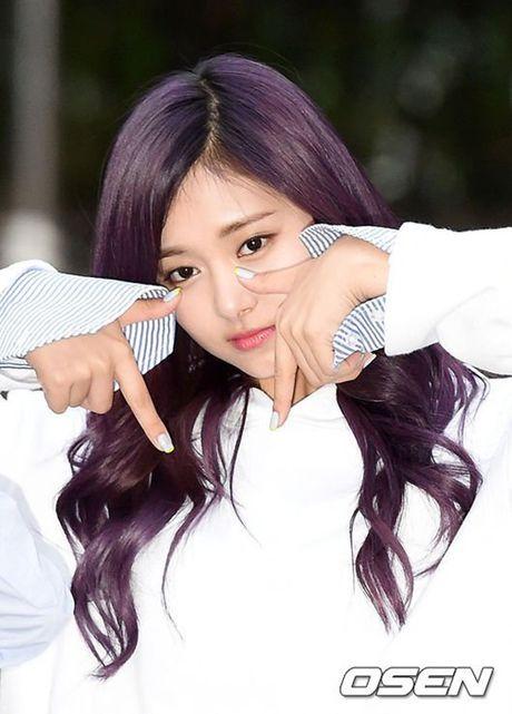 I.O.I don Halloween som, Twice lang xe dieu nhay moi o Music Bank - Anh 10