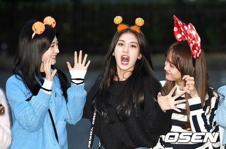 I.O.I don Halloween som, Twice lang xe dieu nhay moi o Music Bank - Anh 3