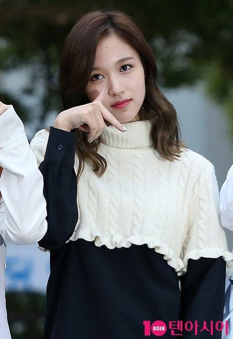 I.O.I don Halloween som, Twice lang xe dieu nhay moi o Music Bank - Anh 9