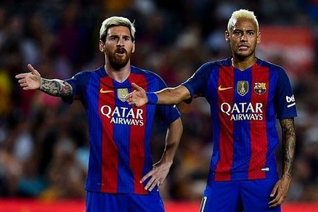 Neymar thang tien duoc la nho 'than tuong' Messi chong lung - Anh 1