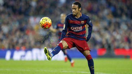 Neymar thang tien duoc la nho 'than tuong' Messi chong lung - Anh 2
