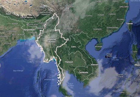 Mot chiec may bay roi ngoai khoi Myanmar - Anh 1