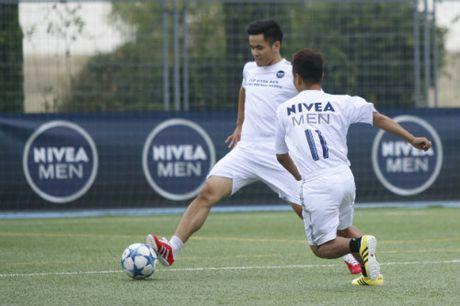 Chuyen di de doi cua FC Thanh Dong o Real Madrid - Anh 2