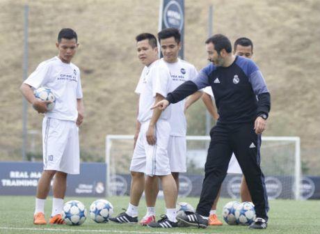 Chuyen di de doi cua FC Thanh Dong o Real Madrid - Anh 4