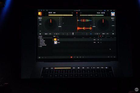 Apple 'trinh lang' san pham Macbook Pro voi nhieu tinh nang vuot troi - Anh 59