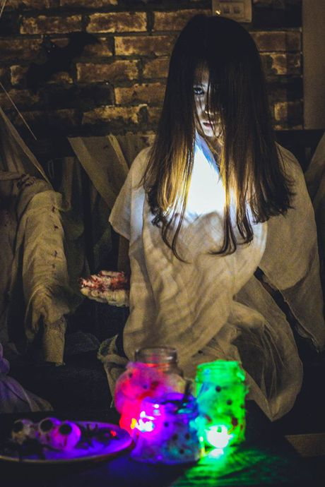 Quan ca phe khach dong 'nuom nuop' nho chieu doc trang tri Halloween - Anh 9