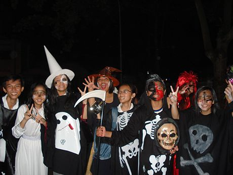 Le hoi Halloween: Can lam gi de ngan chan su rung ron di qua gioi han - Anh 4