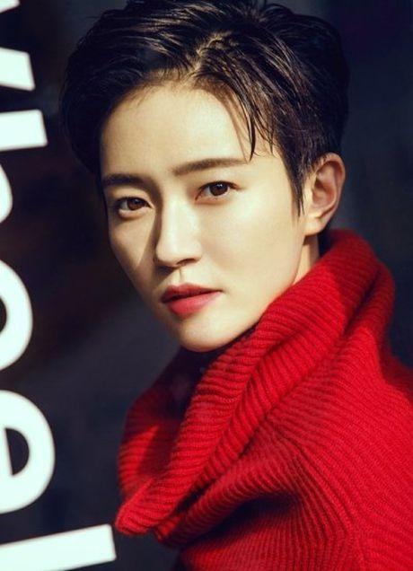 'Ban gai Vuong Lich Xuyen' dep rang ro duoi nang thu - Anh 3