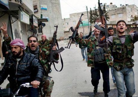 Ban tin 20H: Phien quan Syria no sung pha vong vay tai Aleppo - Anh 1