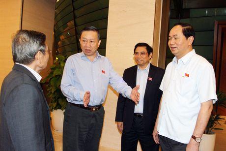 Bo truong Bo Cong an: 'Hoat dong cua cac loai toi pham da duoc kiem che' - Anh 1