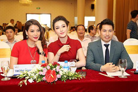Truong Ngoc Anh bat ngo lam giam khao 'Qua chuong vang 2016' - Anh 2