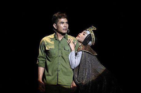 NSUT My Uyen: 'Chung toi tha doi kho nhung san khau phai la thanh duong!' - Anh 3