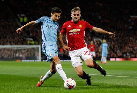 Mourinho da nhan ra Man United tot hon khi co Mata, Carrick - Anh 3